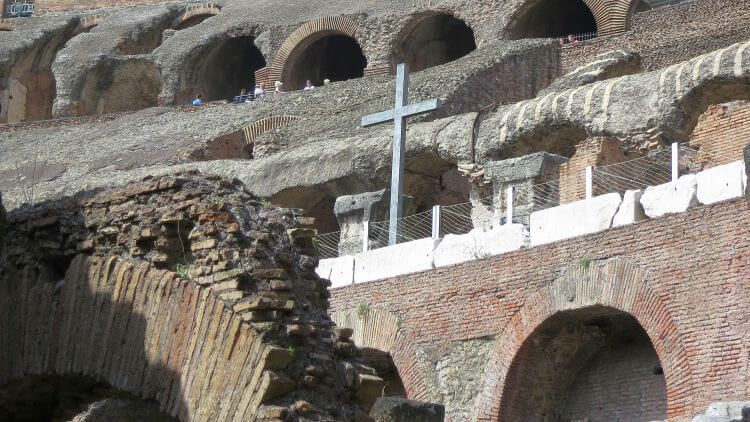 roman colosseum cross