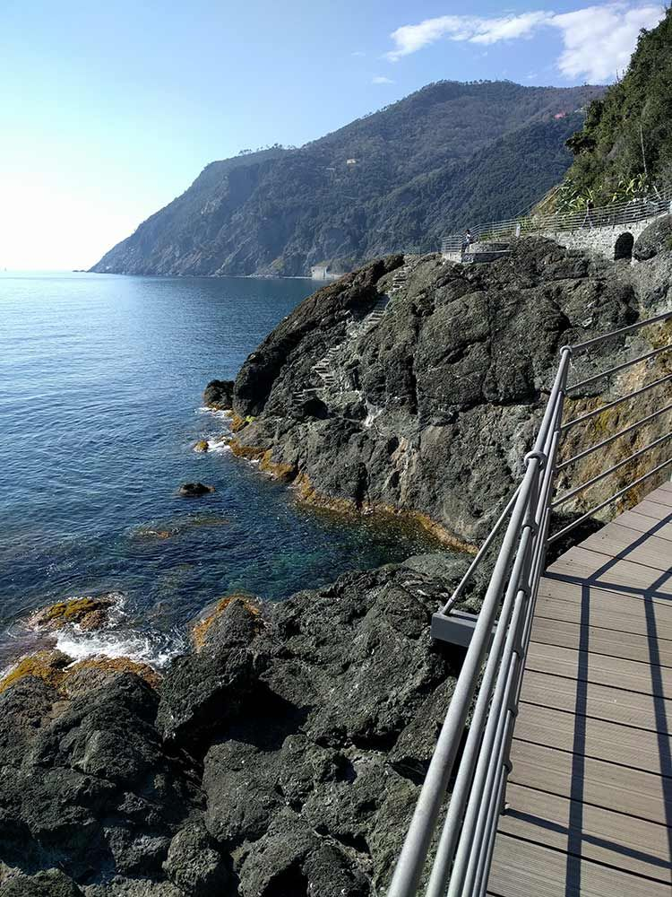 framura italy walking path