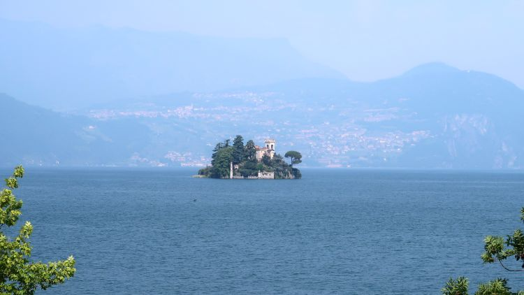 loreto island in lake iseo