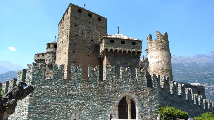 fenis castle photo