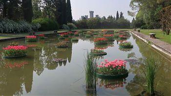 Sigurta pond and castle