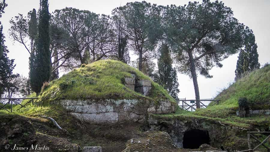 cerveteri tomb photo