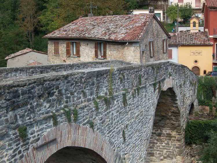 Mercatello sul Metauro bridge