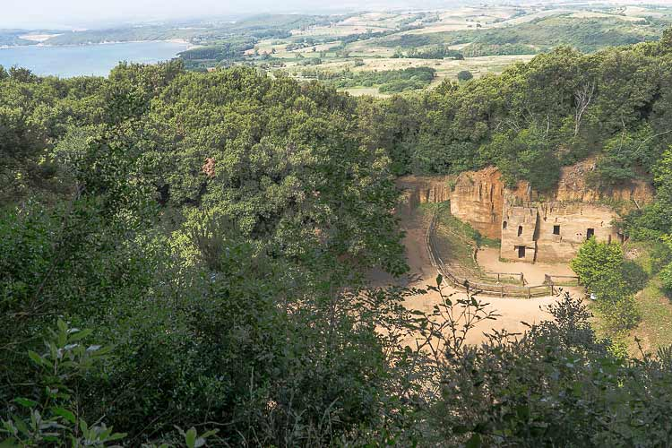 populonia etruscan quarry
